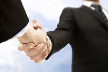 取引先、これから取引を考えている企業の調査も行います