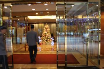 台湾のホテル周辺での張り込み