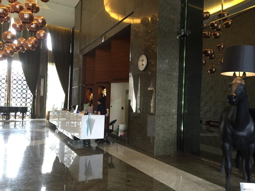 オフィスロビー ※お客様はここでお待ち下さい。トラストジャパンのスタッフがお向かいにあがります。