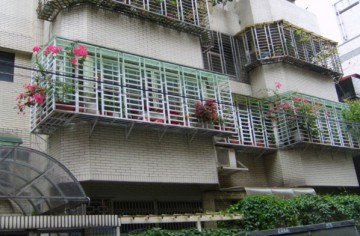 台湾の住宅地での張り込み